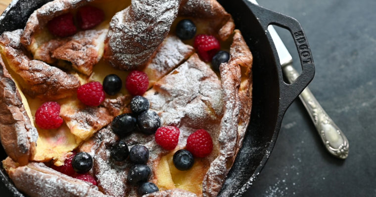 """Dutch Baby"": Oven Baked Pancake (VIDEO)"